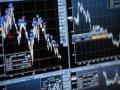 Рынок приподнялся с годового минимума